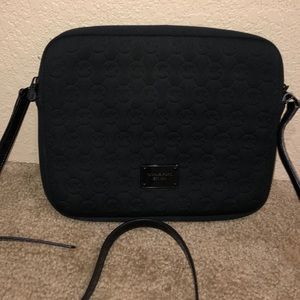 Tablet case cross body